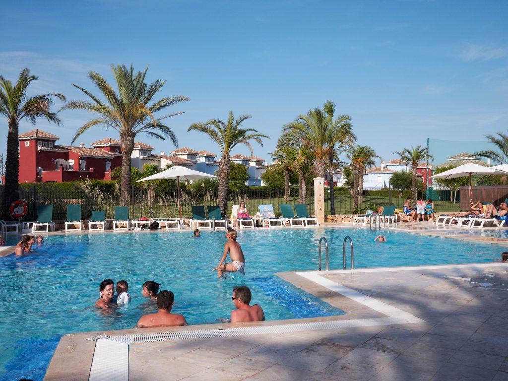 normas de la piscina en el town center mar menor golf